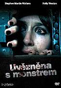 Uvězněna s monstrem (2010)